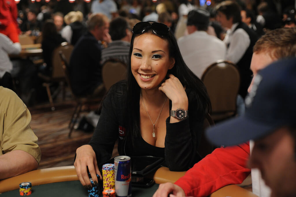 Evelyn Ng - Daniel Negreanu pops the big question at New Year